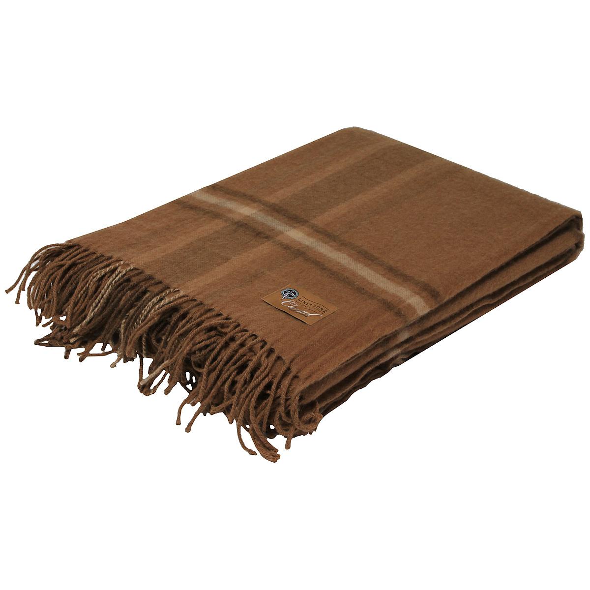 Плед Chingiz Khan, 140 х 200 см 1-331-140_051-331-140_05Мягкий плед Chingiz Khan, выполненный из сверхтонкой верблюжьей пуховой шерсти, добавит комнате уюта и согреет в прохладные дни. Удобный размер этого очаровательного пледа позволит использовать его и как одеяло, и как покрывало для кресла или софы. Такое теплое украшение может стать отличным подарком друзьям и близким! Под шерстяным пледом вам никогда не станет жарко или холодно, он помогает поддерживать постоянную температуру тела. Шерсть обладает прекрасной воздухопроницаемостью, она поглощает и нейтрализует вредные вещества и славится своими целебными свойствами. Плед из шерсти станет лучшим лекарством для людей, страдающих ревматизмом, радикулитом, головными и мышечными болями, сердечно-сосудистыми заболеваниями и нарушениями кровообращения. Шерсть не электризуется. Она прочна, износостойка, долговечна. Наконец, шерсть просто приятна на ощупь, ее мягкость и фактура вызывают потрясающие тактильные ощущения! Характеристики:Материал: 100% сверхтонкая верблюжья пуховая шерсть. Размер: 140 см х 200 см. Артикул: 1-331-140. Шерстяной плед коллекции Linea Lore от фабрики Руно - истинное воплощение уюта, тепла и комфорта. Пледы Linea Lore изготавливаются на итальянском оборудовании по европейскому дизайну. Качественный, экологически чистый плед от фабрики Руно изготовлен из натурального сырья контролируемого происхождения и давно известен потребителю в самых разных регионах страны. Для производства пледов Linea Lore используется пух монгольского верблюда, пух ягненка мериноса и шерсть новозеландских ягнят.