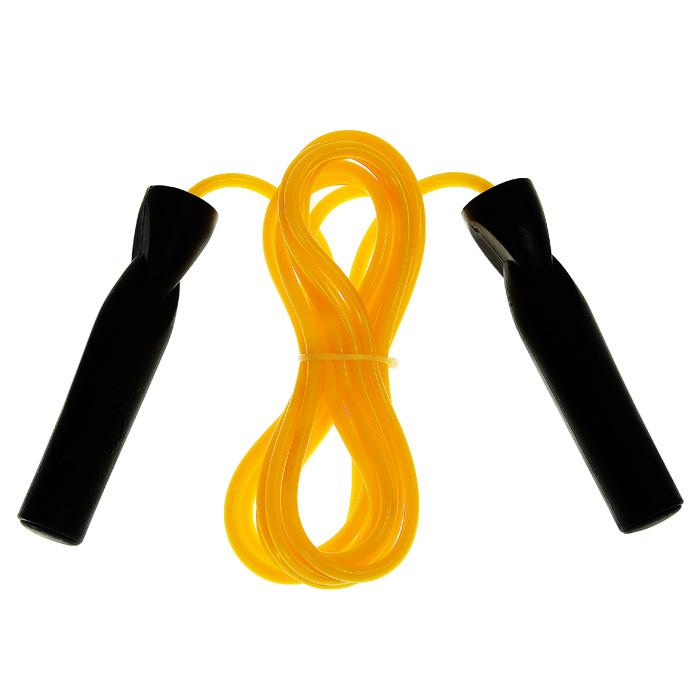 Скакалка Everlast, цвет: желтый, 293 смJMP1UСкакалка Everlast рекомендуется для использования во время тренировок спортсменов. Скакалка позволяет задействовать большое количество рабочих мышц и улучшает работу сердечно-сосудистой системы. Трос скакалки выполнен из резины желтого цвета, ручки - из пластика. Фигурные рукоятки плотно ложатся в руку и не выскальзывают во время тренировок. Встроенные в рукоятки подшипники обеспечивают быстрое и плавное вращение. Характеристики: Материал: резина, пластик, металл. Длина скакалки (без учета ручек): 293 см. Изготовитель: Китай. Артикул: JMP1U.