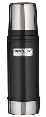 Термос Stanley Legendary Classic, цвет: черный, 0,47 л10-01228-008Герметичный термос Stanley изготовлен из высококачественной нержавеющей стали с вакуумной изоляцией и удерживает температуру на протяжении 15 часов. Крышка выполнена в виде термостакана объемом 240 мл. Слив - через поворотную пробку.Стильный функциональный термос будет незаменим в дороге, на пикнике. Его можно взять с собой куда угодно, и вы всегда сможете наслаждаться горячим домашним напитком.