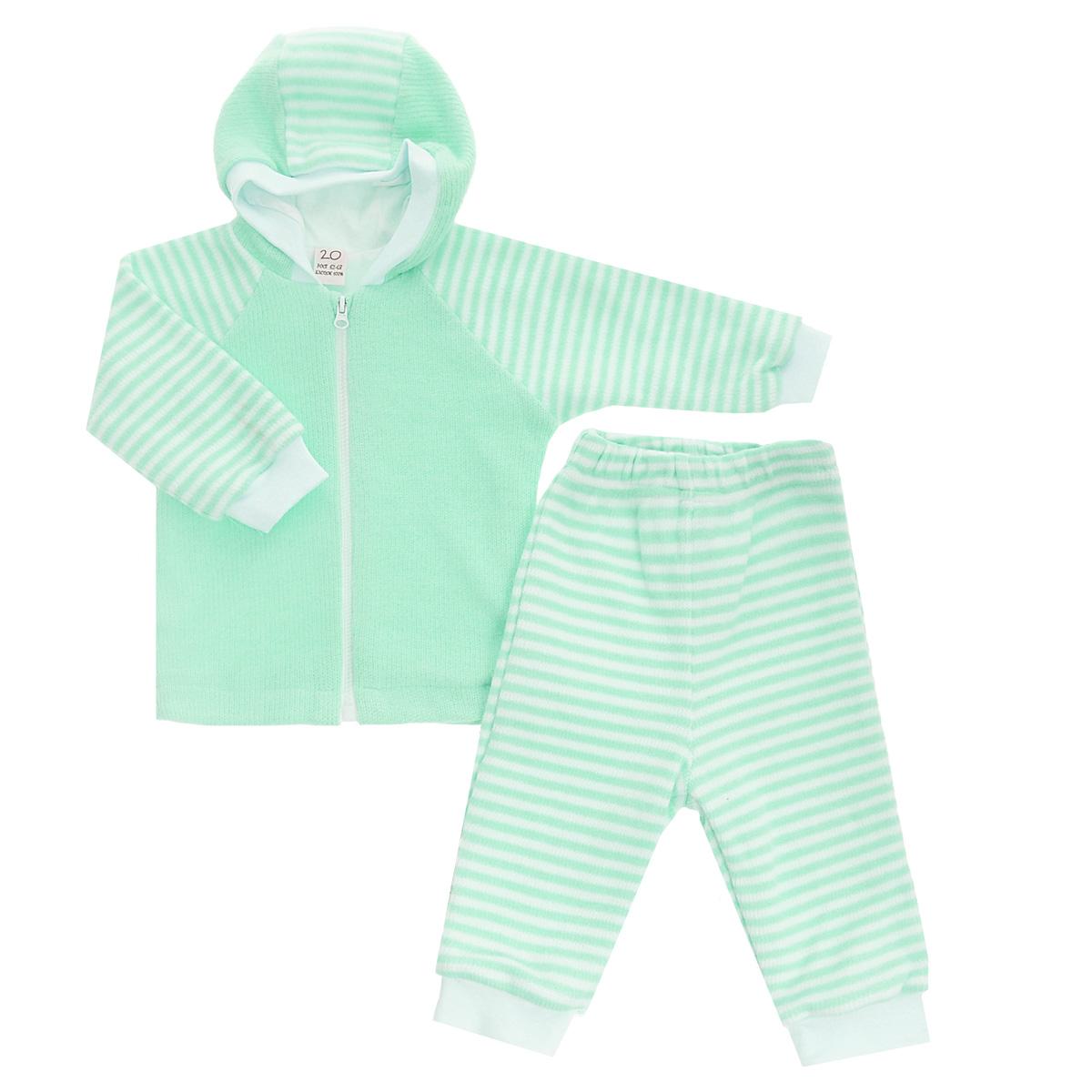 Комплект детский Lucky Child: кофта, брюки, цвет: зеленый, белая полоска. 4-15. Размер 80/864-15Детский вязаный комплект Lucky Child, состоящий из кофты и брюк - очень удобный и практичный. Комплект выполнен из натурального хлопка, на подкладке также используется натуральный хлопок, благодаря чему он необычайно мягкий и приятный на ощупь, не раздражают нежную кожу ребенка и хорошо вентилируются, а эластичные швы приятны телу малыша и не препятствуют его движениям. Кофта с капюшоном и длинными рукавами-реглан застегивается на пластиковую застежку-молнию. Рукава понизу дополнены широкими трикотажными манжетами, не перетягивающими запястья. Брюки прямого покроя на талии имеют широкую эластичную резинку, благодаря чему они не сдавливают животик ребенка и не сползают. Понизу штанины также дополнены широкими трикотажными манжетами. Комплект идеален как самостоятельная верхняя одежда прохладным летом или ранней осенью. Комплект полностью соответствует особенностям жизни малыша, не стесняя и не ограничивая его в движениях!