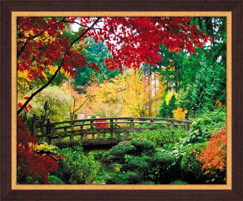Постер в раме Японский сад, 40 x 50 смSG 11Картина для интерьера (постер) - современное и актуальное направление в дизайне любых помещений. Постер Японский сад может использоваться для оформления множества интерьеров: дома, офиса (комната переговоров, холл, кабинет), бара, кафе, ресторана или гостиницы.Постер в раме является отличным подарком.Постеры, представленные компанией ПостерМаркет, собраны вручную из лучших импортных комплектующих, надежно упакованы в пленку с противоударными уголками. Характеристики:Материал: бумага, пластик, ДВП. Размер постера (без рамы): 40 см x 50 см. Размер постера (с учетом рамы): 46 см х 56 см х 1 см. Производитель: Россия. Артикул: SG 11.