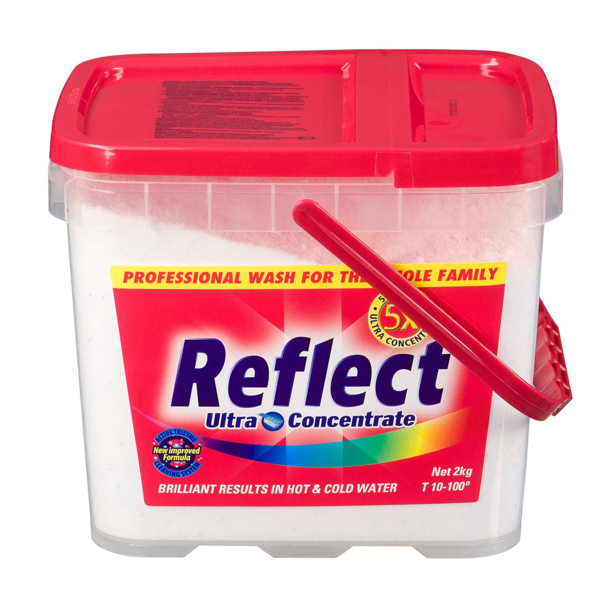 Стиральный порошок универсальный Reflect, суперконцентрат, 2 кг15050Концентрированный стиральный порошок Reflect предназначен для стирки цветного и белого белья из хлопковых и смешанных волокон. Упаковки концентрата хватает на 50 стирок. 2 кг такого порошка эффективны как 9 кг неконцентрированного стирального порошка. Преимущества, способствующие высокому качеству стирки: - Композитные энзимы Trizyme глубоко проникают в ткань, удаляют грязь и неприятные запахи (включая пятна и запах пота), предотвращают серость и желтизну. - Специальные добавки помогают сохранять и поддерживать структуру ткани, предупреждая появление и образование катышек. - Уникальная формула Colour Care (формула защиты цвета) защищает и поддерживает насыщенность цветовой гаммы изделия от стирки к стирке. Особенности порошка Reflect: - Optical Brightener (оптический отбеливатель) отвечает за белизну белого белья и яркость цветного, - высокая моющая способность: отстирывает пятна и загрязнения различного происхождения, - предназначен для стирки изделий для всей семьи, включая детские (от 3-х лет), - содержит средство для смягчения воды, предупреждает образование накипи на водонагревательном элементе, - подходит для всех типов ткани, кроме шерсти и шелка, - универсальный - для машинной и ручной стирки, - стирает в холодной и горячей воде. Характеристики: Вес: 2 кг. Размер упаковки: 18 см х 14,5 см х 15,5 см. Температура воды: 10°C-100°C. Артикул: 15050. Товар сертифицирован.