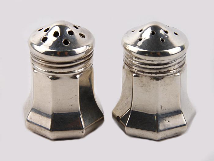 Комплект для соли и перца. Белый металл. Cartier, Франция, вторая половина XX века
