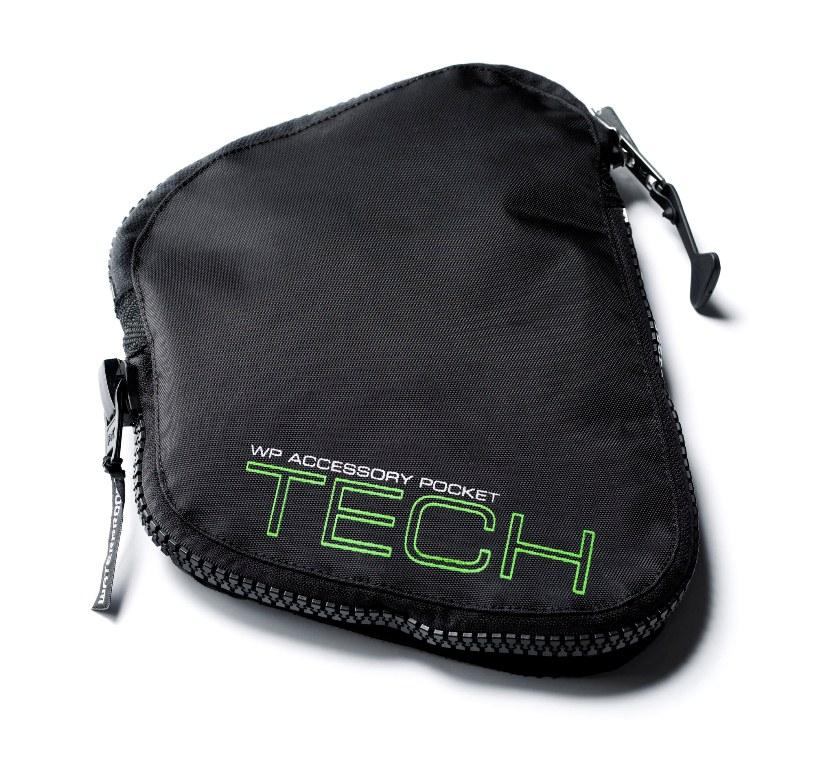 Карман для гидрокостюмов, оборудованных доком WPAD. Док персональных аксессуаров (WPAD) - это простая, но оригинальная конструкция. При помощи двойной застежки Velcro расширяемый карман Tech Pocket, как влитой крепится к гидрокостюму. Поставляется с закрепленным посередине D-кольцом из нержавеющей стали. Характеристики: Материал: нейлон. Размер кармана: 26 см х 19 см х 5 см. Размер упаковки: 26 см х 19 см х 5 см.