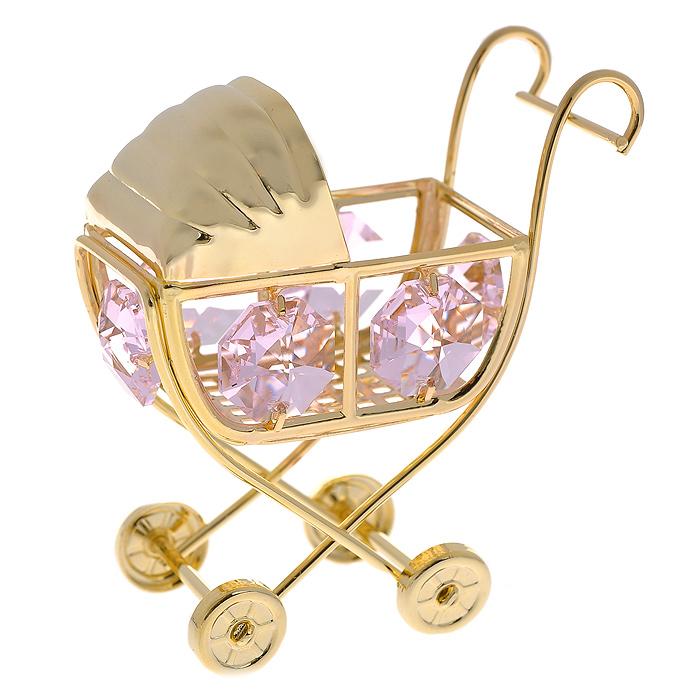 Декоративная фигурка Детская коляска, цвет: золотистый, розовый. 278484278484Декоративная фигурка выполнена из золотистого металла в виде коляски, инкрустированной розовыми кристаллами Swarovski. Фигурка будет вас радовать и достойно украсит интерьер вашего дома. Вы можете поставить украшение в любом месте, где оно будет удачно смотреться и радовать глаз. Кроме того, эта фигурка - отличный вариант подарка для ваших близких и друзей. Характеристики:Материал: металл, кристаллы Swarovski. Размер фигурки: 5,5 см х 6 см х 3,5 см. Цвет: золотистый, розовый. Размер упаковки: 5,5 см х 9 см х 4,5 см. Артикул: 278484.