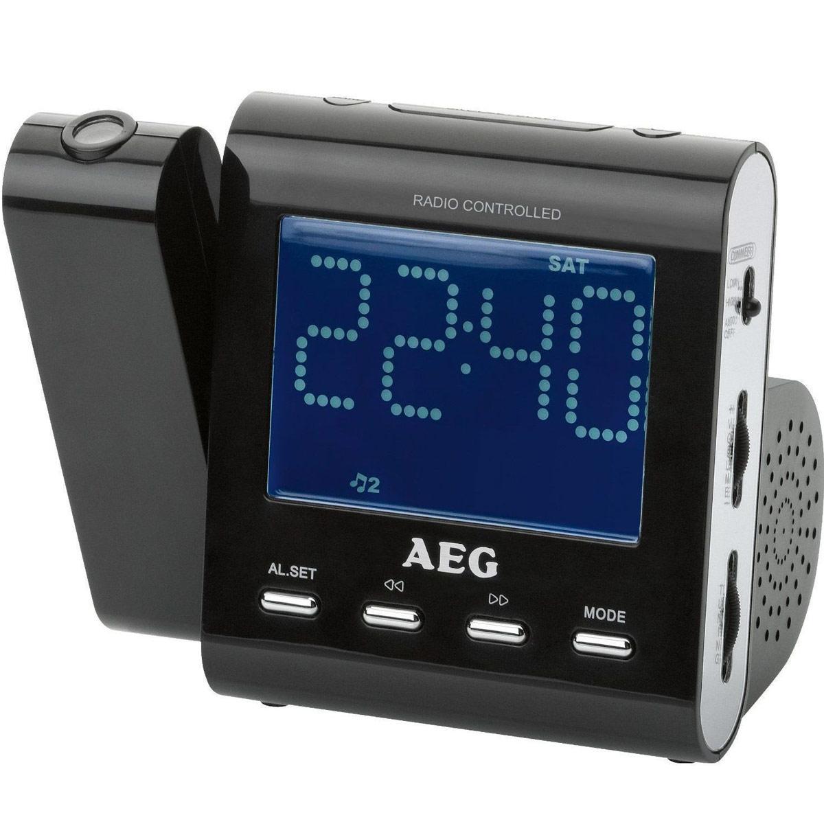 AEG MRC 4122 F, Black радиочасыMRC 4122 FРадиобудильник AEG MRC 4122 F.Вход AUX-IN Индикация дня недели, индикация даты Проекция времени с возможностью включения/отключения Поворотный проектор 180° с возможностью фокусировки Светодиодный дисплей размером около 9,5 см, с синей подсветкой Цифровая индикация частоты настройки, дипольная антенна Резервное питание для часов при отключении питания сети Резервное питание для часов: часоваябатарея CR 2032 (батарея в комплект поставки не входит)