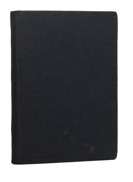 Физиология вивера (du viveur)AM0016Редкость. Санкт-Петербург, 1843 год, Типография Journal de St.-Petersbourg. С многочисленными иллюстрациями в тексте Генриха Берту. Владельческий переплет более позднего времени. Сохранность хорошая. В издание включены ученые и исторические исследования о вивёрах (любителях наслаждений). ...Вивёры играли большую роль в истории. Если бы Алкивиад не был вивёром, то у его бедного пса уцелел бы хвост, что было бы весьма приятно бедному животному, которое лишась этого необходимого украшения, вероятно представляло довольно смешную фигуру: вероятно также, что блистательный ученик Сократа, возъимел эту нелепую идею, поужинав порядком у прекрасной Аспазии. Мы никогда не кончили бы, если б вздумали исчислять всех знаменитых вивёров, от сотворения мира до самого герцога Кларанского, утонувшего в бочке мальвазии, тогда как он неосторожный, мог бы утопить бочку в своем желудке. Я только хотел доказать, что вивёр, древностью своего происхождения, и славою своих предков имеет полное право на всеобщее почтение. Шапки долой профаны! Вот идет вивёр!..., - из Предуведомления автора. Издание не подлежит вывозу за пределы Российской Федерации.