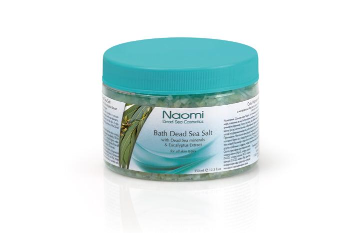 Naomi Соль Мертвого моря, с экстрактом эвкалипта, 350 млKM 0012Соль для ванн Naomi - это уникальное сочетание минералов и микроэлементов Мертвого моря, известных своим благотворным воздействием на кожу, нервную систему и организм в целом. Ванны с добавлением этой соли снимет напряжение, расслабят мышцы, успокоят нервную систему, смягчат кожу, будут полезны при псориазе, дерматите, экземе, себорее и т.д. Растворенные в воде натуральные минералы разглаживают кожу, восстанавливают ее естественный баланс. Характеристики:Объем: 350 мл. Артикул: KM 0012. Производитель: Израиль. Товар сертифицирован.