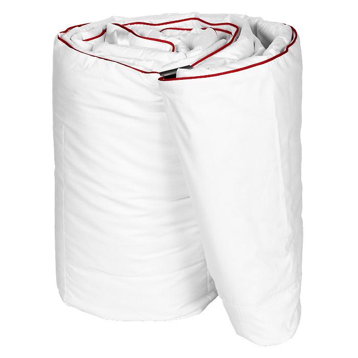 Одеяло Dargez Орландо облегченное, наполнитель: пух, 200 см х 220 см26842ОРОдеяло Dargez Орландо представляет собой чехол из белоснежного батиста в сочетании с терморегулирующим полотном Outlast с наполнителем из белого сибирского пуха.Главная особенность полотна Outlast - способность поддерживать оптимальный температурный баланс независимо от двигательной активности и внешней температуры.Материал состоит из большого количества микрокапсул, наполненных веществом, способным поглощать избыточное тепло и возвращать его по мере необходимости, предотвращая перегрев или переохлаждение тела человека. Одеяло вложено в текстильную сумку-чехол зеленого цвета на застежке-молнии, а специальная ручка делает чехол удобным для переноски. Характеристики: Материал чехла: батист отбеленный пуходержащий (100% хлопок), полотно Outlast. Наполнитель: сибирский пух категории Экстра. Размер одеяла: 200 см х 220 см. Масса наполнителя: 0,4 кг. Размер упаковки: 60 см х 40 см х 13 см. Артикул: 26842ОР. Торговый Дом Даргез был образован в 1991 году на базе нескольких компаний, занимавшихся производством и продажей постельных принадлежностей и поставками за рубеж пухоперового сырья. Благодаря опыту, накопленным знаниям, стремлению к инновациям и развитию за 19 лет компания смогла стать крупнейшим производителем домашнего текстиля на территории Российской Федерации. В основу деятельности Торгового Дома Даргез положено стремление предоставить покупателю широкий выбор высококачественных постельных принадлежностей и текстиля для дома, которые способны создавать наилучшие условия для комфортного и, что немаловажно, здорового сна и отдыха.