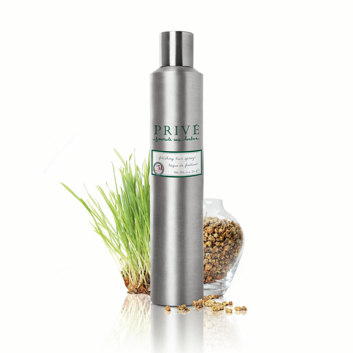Prive Спрей для финишной укладки волос, 300 млPRV4912804Экстракт герани, лемонграсса и смесь трав придают волосам эластичную, продолжительную фиксацию и блеск. Защищает цвет окрашенных волос. Идеальный продукт для ежедневой работы в салоне и частой укладки волос дома. Характеристики:Объем: 300 мл. Артикул: PRV4912804. Производитель: США. Товар сертифицирован.