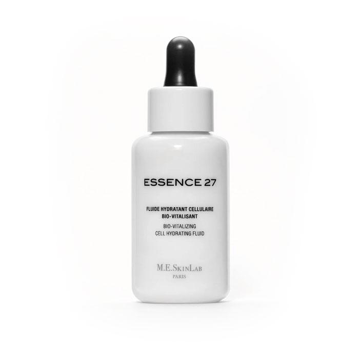 Cosmetics 27 Био-оживляющяя сыворотка Essence 27 для лица, увлажняющая, 50 млCM27004Сыворотка Essence 27 – увлажняющее средство и активизатор клеточной энергии. Тщательно и интенсивно увлажняет кожу и стимулирует клеточную активность, смягчая раздраженную кожу. Гиалуроновый комплекс, акваксил, комплекс двух сахаров удерживают воду и обеспечивают поддержание уровня увлажненности кожи. Аспартат лизина, входящий в состав сыворотки, стимулирует клеточный обмен. Экстракт центеллы азиатской оказывает смягчающее и восстанавливающее действие. Марганец обладает антиоксидантным действием.Витамин Cборется со свободными радикалами. Дистиллят салата-латука и мяты успокаивают и смягчают.Сыворотка подходит для всех типов кожи. Рекомендована для сухой, тусклой, зрелой, поврежденной и чувствительной кожи, в том числе для кожи после эстетических операций.Результат:кожа интенсивно и постоянно увлажняется, заряжается жизненной энергией, выглядит более подтянутой, упругой, тонизированной. Тон кожи более яркий, сияющий. Морщины разглаживаются. Чувствительная, аллергенная кожа становится более мягкой, успокаивается и становится более расслабленной Применение: использовать утром и вечером в качестве сыворотки, всегда наносить перед основным уходом. Нанесите 7-8 капель (1 пипетка) на лицо и шею. Втирайте нежными массирующими движениями. Ультратонкая текстура быстро поглощается кожей и оставляет ее мягкой и тонизированной. Наносите ежедневное средство по уходу утром и/или ночью. Сыворотка Essence 27 может использоваться отдельно, при необходимости, для стимулирования энергии кожи и придания ей большего сияния.Характеристики:Объем: 50 мл. Артикул: CM27004. Производитель: Франция. Товар сертифицирован.