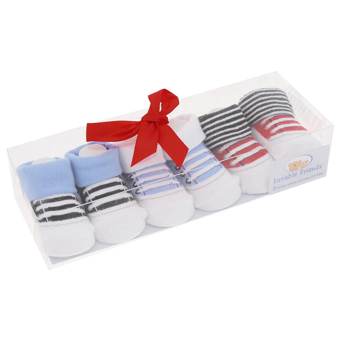 Носки детские Luvable Friends, цвет: голубой, белый, 3 пары. 07112. Размер 0/9мес07112Комфортные, прочные и красивые детские носки Luvable Friends с отворотами очень мягкие на ощупь, а широкая резинка плотно облегает ножку ребенка, не сдавливая ее, благодаря чему малышу будет комфортно и удобно. Подарочный комплект состоит из трех пар разноцветных носочков с оригинальным принтом. Носочки упакованы в красивую подарочную прозрачную коробку с яркой лентой.
