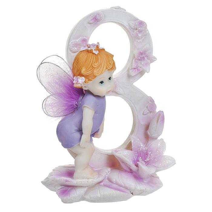 Статуэтка Именинный ангелочек. 3 года514-1028Статуэтка Именинный ангелочек. 3 года, выполненная из полистоуна, станет отличным подарком для вашего малыша! Все мы знаем, как порой непросто бывает выбрать подходящий подарок к тому или иному торжеству, а декоративные статуэтки Molento всегда были и останутся оригинальным подарком. Этот вид сувенира нельзя назвать бесполезной вещью. Статуэтка может стать великолепным украшением интерьера. На протяжении долгих лет, дизайнеры используют статуэтки для придания интерьеру особого шарма. Характеристики:Материал: полистоун. Размер статуэтки: 12 см х 8 см х 5 см. Размер упаковки: 13 см х 10 см х 8 см. Артикул: 514-1028.