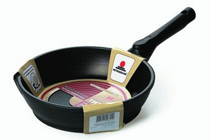 Сковорода литая Нева Металл Посуда Классическая с 4-х слойным антипригарным покрытием, со съемной ручкой, диаметр 22 см. 80228022Сковорода Классическая из серии литой алюминиевой посуды с полимер-керамическим антипригарным покрытием повышенной износостойкости ТИТАН. Вы можете пользоваться металлическими столовыми приборами, готовя в ней пищу. 4-слойная антипригарнвя полимер-керамическая система ТИТАН ПК обладает повышенной износостойкостью, достигаемой за счет особой структуры и специальной технологии нанесения. Это собственная запатентованная разработка компании, не имеющая аналогов в России. Прототип покрытия применялся при постройке космического корабля Буран и орбитальных спутников. В состав системы ТИТАН ПК входят антипригарные слои на водной основе. Система ТИТАН ПК традиционно производится БЕЗ использования PFOA (перфтороктановой кислоты). Равномерно нагревается за счет особой конструкции корпуса по принципу золотого сечения, толстых стенок (4-4,5 мм) и ещё более толстого дна (6-8 мм). Приготовленная еда получается особенно вкусной благодаря специфическим термоаккумулирующим свойствам литого алюминия. Корпус, отлитый вручную, практически не подвержен деформации даже при сильном нагреве. Для удобства съемная ручка.Подходит для газовых, электрических и стеклокерамических плит. Посуду можно мыть в посудомоечной машине. Не боится царапин!Гарантия 3 года. При соблюдении правил эксплуатации срок службы не ограничен. Характеристики:Материал: алюминий. Диаметр сковороды: 22 см. Высота стенки: 5,9 см. Длина ручки: 21 см. Диаметр дна: 18,6 см. Толщина стенок: 4 мм. Толщина дна: 6,3 мм. Производитель: Россия. Размер упаковки: 44 см х 23,5 см х 5,9 см. Артикул: 8022.