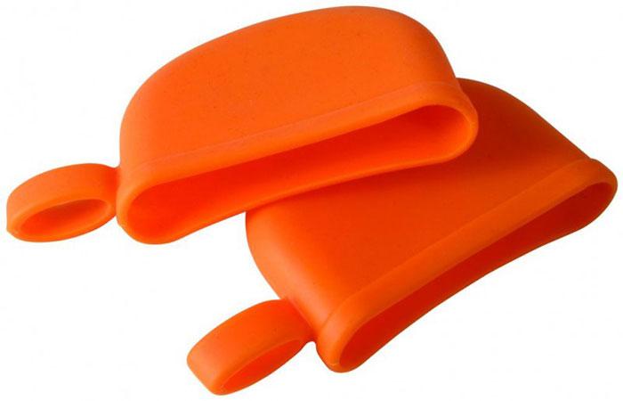 Набор силиконовых ручек-прихваток Regent Inox, цвет: оранжевый, 2 шт.93-SI-CU-08Набор Regent Inox Silicone состоит из 2 ручек-прихваток, выполненных из силикона оранжевого цвета.Силиконовые прихватки выдерживают высокие и низкие температуры (от -40°С до +230°С). Они эластичны, износостойки, влагонепроницаемы, легко моются, не горят и не тлеют, не впитывают запахи, не оставляют пятен. Силикон абсолютно безвреден для здоровья.Прихватками Regent Inox Silicone можно брать не только горячие, но и замороженные предметы, а также влажные и скользкие.Прихватки отлично защищают пальцы рук, практичны в использовании и необходимы в каждом доме. Характеристики:Материал: силикон.Размер прихваток (В х Ш х Г): 13 см х 7 см х 2,5 см.Размер упаковки: 19,5 см х 15,5 см х 2,5 см.Артикул: 93-SI-CU-08.