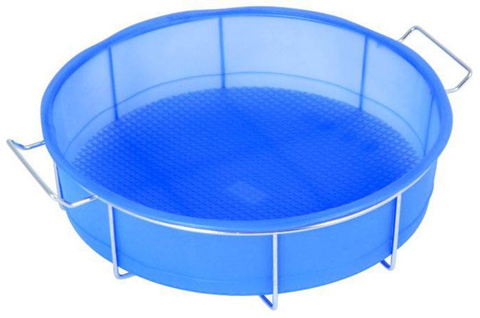 Форма для пирога Regent Inox силиконовая, с подставкой, цвет: синий, диаметр 25 см93-SI-FO-05Кргулая форма для пирога Regent Inox, выполненная из силикона синего цвета, предназначена для выпечки и заморозки. Дно формы рельефное.Силиконовые формы для выпечки имеют много преимуществ по сравнению с традиционными металлическими формами и противнями. Они идеально подходят для использования в микроволновых, газовых и электрических печах при температурах до +230°С. В случае заморозки до -40°С.За счет высокой теплопроводности силикона изделия выпекаются заметно быстрее. Благодаря гибкости и антиприлипающим свойствам силикона, готовое изделие легко извлекается из формы. Для этого достаточно отогнуть края и вывернуть форму (выпечке дайте немного остыть, а замороженный продукт лучше вынимать сразу).Силикон абсолютно безвреден для здоровья, не впитывает запахи, не оставляет пятен, легко моется.Форма оснащена металлической подставкой с ручками, что поможет сохранить правильную форму кондитерского изделия. Подставка обеспечит равномерное заполнение формы тестом, без деформаций. Установка и извлечение формы из духового шкафа не доставит хлопот.С такой формой вы всегда сможете порадовать своих близких оригинальной выпечкой. Характеристики:Материал: силикон, металл. Цвет: синий. Диаметр формы: 25 см. Высота формы: 6 см. Артикул: 93-SI-FO-05.