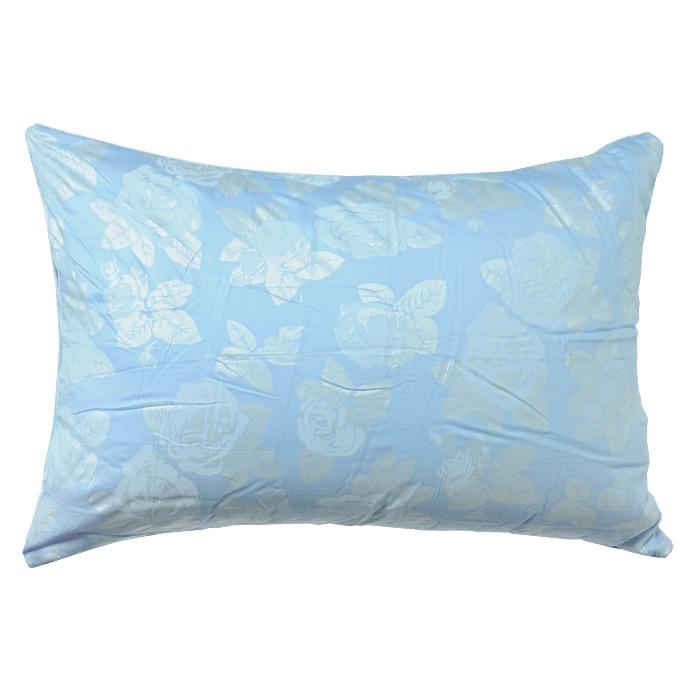 """Мягкая и легкая подушка """"Rosalia"""" не оставит равнодушными тех, кто ценит красоту и комфорт. Чехол выполнен из сатина голубого цвета с цветочным узором """"розы"""", внутри - наполнитель экофайбер. Этот наполнитель очень теплый, гипоаллергенный, не впитывает пыль и запахи. Благодаря ему изделия сохраняют форму и объем долгое время. Объем подушки можно регулировать.  Подушка упакована в пластиковую сумку-чехол, закрывающуюся на застежку-молнию.   Можно стирать в стиральной машине. Характеристики:  Материал чехла: сатин (100% хлопок). Наполнитель: экофайбер (полиэфирное волокно). Размер подушки: 72 см х 50 см. Цвет: голубой. Артикул: 111031100-РС.   """"ТМ Primavelle"""" - качественный домашний текстиль для дома европейского уровня, завоевавший любовь и признательность покупателей. """"ТМ Primavelle"""" рада предложить вам широкий ассортимент, в котором представлены: подушки, одеяла, пледы, полотенца, покрывала, комплекты постельного белья.  """"ТМ Primavelle"""" - искусство создавать уют. Уют для дома. Уют для души."""