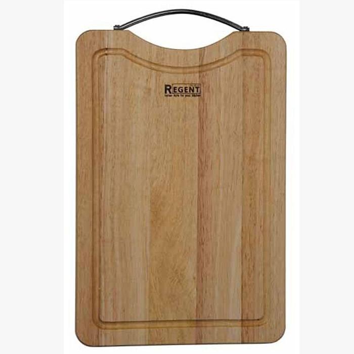 Доска разделочная Regent Inox, из гевеи, 30 х 20 х 1,5 см93-BO-2-07.1Прямоугольная разделочная доска Regent Inox с металлической ручкой изготовлена из высококачественной древесины - гевеи. Доска имеет углубление для стока жидкости вдоль края. Прекрасно подходит для приготовления и сервировки пищи.Гевея - высококачественная порода каучукового дерева. Доски из гевеи, по сравнению с досками, изготовленными из других материалов, обладают следующими преимуществами:- долговечность- практичность- устойчивость к механическим нагрузкам- водоотталкивающие свойства- не впитывают запахи- не расслаиваются и не рассыхаются- не тупят ножи- оригинальный дизайн. На кухне рекомендуется иметь несколько досок, для различных продуктов: для мяса и птицы, для рыбы, для готовых продуктов, для хлеба, овощей и фруктов. Regent Inox предлагает на выбор несколько размеров и форм разделочных досок, а так же кухонные аксессуары из дерева. Характеристики:Материал: гевея. Размер:30 см х 20 см х 1,5 см. Артикул:93-BO-2-07.1.