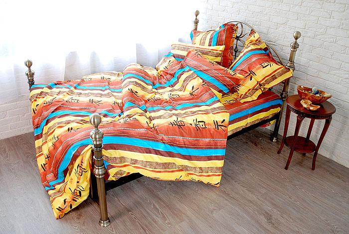 Комплект белья Токай (2-х спальный КПБ, сатин, 4 наволочки 50х70, 70х70)Т-1347-07_2-спальныйКомплект постельного белья Токай, изготовленный из сатина, поможет вам расслабиться и подарит спокойный сон. Постельное белье имеет изысканный внешний вид и обладает яркостью и сочностью цвета. Комплект состоит из пододеяльника, простыни и четырех наволочек. Все предметы комплекта цельнокроеные.Благодаря такому комплекту постельного белья вы сможете создать атмосферу уюта и комфорта в вашей спальне.Сатин производится из высших сортов хлопка, а своим блеском, легкостью и на ощупь напоминает шелк. Такая ткань рассчитана на 200 стирок и более. Постельное белье из сатина превращает жаркие летние ночи в прохладные и освежающие, а холодные зимние - в теплые и согревающие. Благодаря натуральному хлопку, комплект постельного белья из сатина приобретает способность пропускать воздух, давая возможность телу дышать. Одно из преимуществ материала в том, что он практически не мнется и ваша спальня всегда будет аккуратной и нарядной. Страна:Россия. Материал:сатин (100% хлопок). В комплект входят:Пододеяльник - 1 шт. Размер: 175 см х 210 см.Простыня - 1 шт. Размер: 240 см х 270 см.Наволочка - 2 шт. Размер: 50 см х 70 см.Наволочка - 2 шт. Размер: 70 см х 70 см. Коллекция постельного белья Tete-a-Tete - российская новинка, выполненная в лучших европейских традициях из роскошного премиум-сатина (более плотного и мягкого по сравнению с обычным сатином). Потребительские качества постельного белья Tete-a-Tete обусловлены выбором материала для пошива. Компания использует 100% египетский хлопок для изготовления тканей. Качество красителей и ткани надолго позволяют сохранить яркость цветов. Постельное белье Tete-a-Tete будет отличным подарком.