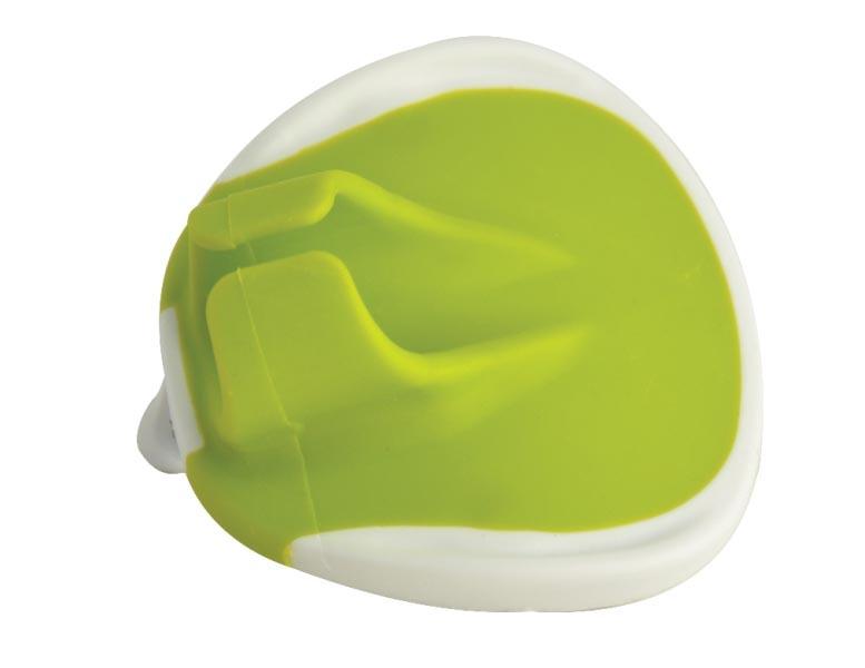 """Овощечистка - напальчник Regent Inox """"Cucina"""" позволит почистить овощи очень легким способом. Просто наденьте его на палец и начинайте чистить. Изготовлена из высококачественных материалов: нержавеющая сталь и пищевой пластик. в комплекте имеется чехол для защиты лезвия при хранении. Характеристики:Материал: нержавеющая сталь, пластик. Цвет: белый, салатовый. Размер овощечистки: 7 см х 6,5 см х 4 см. Длина лезвия: 6,5 см. Размер упаковки: 6,5 см х 3,5 см х 9 см. Артикул: 93-CN-14-06."""