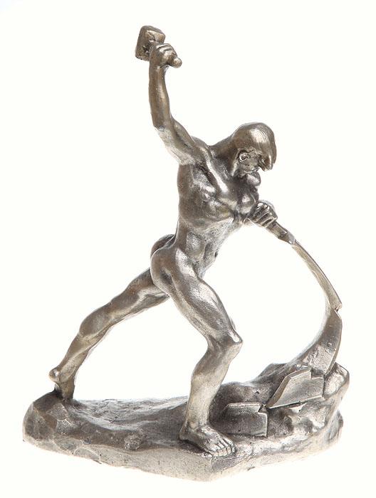 Статуэтка Перекуем мечи на орала. Алюминевый сплав, литье. СССР, вторая половина ХХ века б у корбюратор на рено 19 в москве
