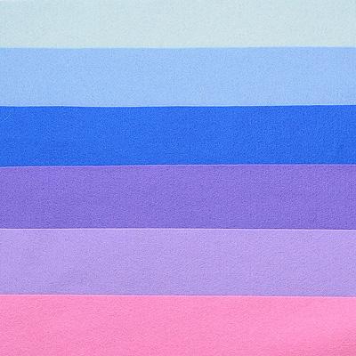 Набор лоскутов из войлока Richard Wernekinck Wolgroothander, 20 см х 30 см, 6 шт. 560221-Н08560221-Н08Набор Richard Wernekinck Wolgroothander состоит из 6 войлочных лоскутов разных цветов. В набор входят следующие цвета: серо-голубой, голубой, ультрамариновый (синий), фиалковый, лавандовый, розовый.Войлок (фетр) произведен в Голландии на фабрике Richarda Wernekincka, где очень строгий контроль за качеством выпускаемой продукции. А многолетний опыт работы позволил добиться в производстве войлока (фетра) самого высокого класса. Данный войлок (фетр) очень мягкий и приятный на ощупь, стойкие, яркие цвета. Работа с ним доставит вам только положительные эмоции, а результат будет радовать вас долгие годы. Характеристики:Материал: войлок (фетр) (100% шерсть). Размер лоскута: 20 см х 30 см. Комплектация: 6 шт. Цвет: серо-голубой, голубой, ультрамариновый (синий), фиалковый, лавандовый, розовый. Размер упаковки: 27 см х 22 см х 1,5 см. Артикул: 560221-Н08.