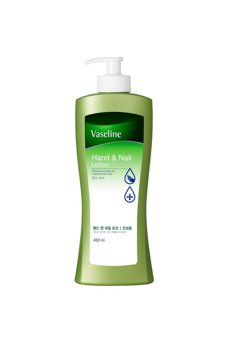 Vaseline Лосьон для рук и ногтей, 450 мл086-30792Лосьон Vaseline увлажняет кожу рук. Укрепляет и способствует формированию гладкой, блестящей поверхности ногтя. Мед и экстракт айвы эффективно увлажняют. Витамин Е защищает и питает кожу. Комплекс аминокислот и кератина питает кожу рук и ногти, защищает от преждевременного старения. Легко и быстро впитывается, не оставляет жирной и липкой пленки на коже. Характеристики:Объем: 450 мл. Артикул: 862438. Производитель: Корея. Товар сертифицирован.Как ухаживать за ногтями: советы эксперта. Статья OZON Гид