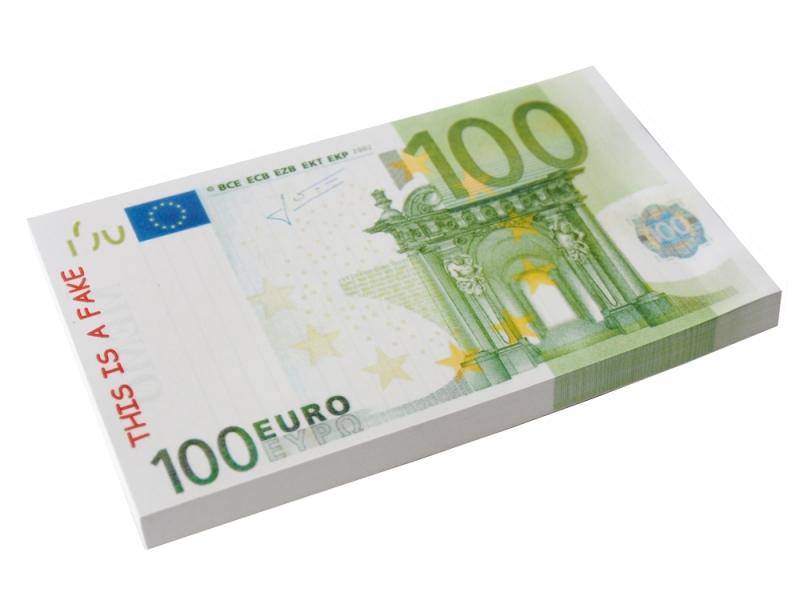 Набор стикеров 100 евро. 002764002764Набор стикеров в виде пачки купюр достоинством 100 евро выполнен из ламинированной бумаги. Стикеры отрывные. Обратная сторона купюр разлинована.На таких стикерах можно написать заметки или важную информацию, и быть уверенным, что такой листок точно не потеряется. Характеристики: Материал: ламинированная бумага. Размер стикера: 14,7 см х 8,2 см. Размер пачки: 14,7 см х 8,2 см х 1 см. Артикул: 002764.