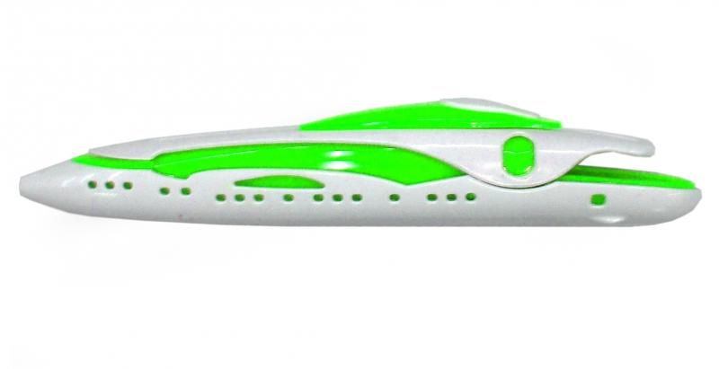 Ручка шариковая Катер, цвет: белый, зеленый. 002774002774Оригинальная шариковая ручка, выполненная из пластика в виде катера, несомненно, удивит вас своим дизайном.Такая ручка станет отличным подарком и незаменимым аксессуаром, который будет радовать вас каждый день. Характеристики:Материал: пластик. Длина ручки: 13,5 см. Цвет ручки: белый, зеленый. Цвет чернил: синий. Артикул: 002774.