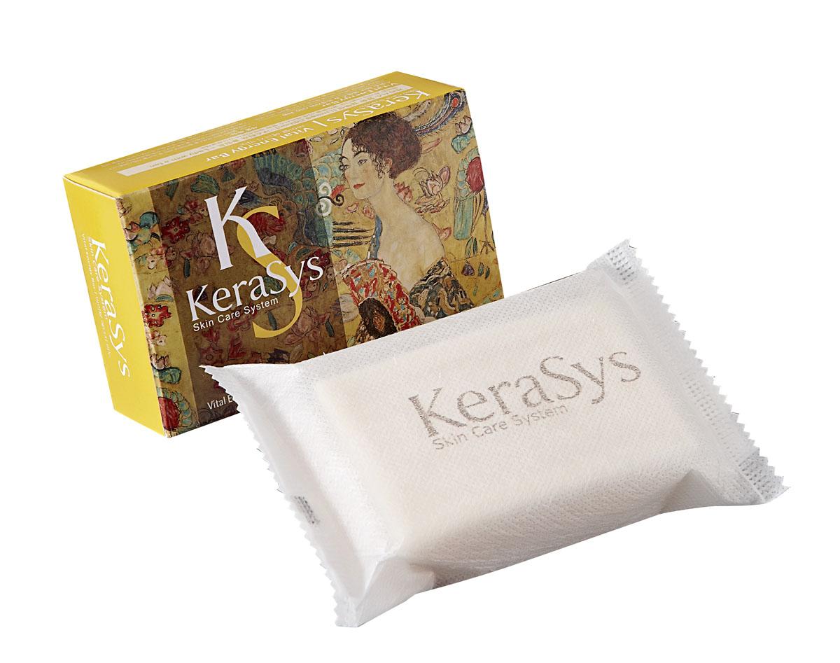 Kerasys Мыло Vital Energy, косметическое. 100 г869703Мыло Kerasys Vital Energy содержит экстракты альпийских трав, которые успокаивают кожу. Коэнзим Q10 – мощный природный антиоксидант, восстанавливает эластичность кожи, повышает упругость. Легкий аромат розы и спелых фруктов дарит ощущение нежности и комфорта. Характеристики:Вес: 100 г. Артикул: 869703. Производитель: Корея. Товар сертифицирован.