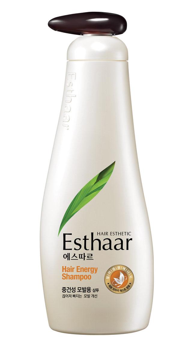 Esthaar Шампунь Энергия волос, для нормальной и сухой кожи головы, 500 г887547Шампунь Esthaar Энергия волос разработан по новейшей запатентованной технологии с применением молодых побегов целебных трав, известных своей высокой концентрацией лечебных веществ. Богатый 12 видами витаминов и минералов, шампунь укрепляет стержень волос, наполняет его жизненной силой и энергией, тем самым уменьшает ломкость и потерю.Шампунь состоит на 99% из растительных очищающих компонентов, что делает его низкоаллергенным. Имеет сертификат LOHAS (Lifestyles Of Health And Sustainability), что подтверждает его безопасность для здоровья человека и окружающей среды. Научные исследования доказали, что уже через неделю использования ломкие волосы становятся крепче на 117%. Характеристики:Вес: 500 г. Артикул: 887547. Производитель: Корея. Товар сертифицирован.
