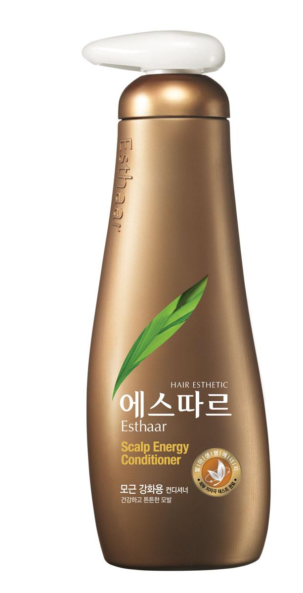 Esthaar Кондиционер Контроль над потерей волос, для всех типов кожи головы, 400 мл887592Esthaar разработан по новейшей запатентованной технологии с применением молодых побегов целебных трав, известных своей высокой концентрацией лечебных веществ. Богатый 12 видами витаминов и минералов, кондиционер помогает закрепить результат действия шампуня Esthaar.Кондиционер состоит на 99% из растительных очищающих компонентов, что делает его низкоаллергенным. Имеет сертификат LOHAS (Lifestyles Of Health And Sustainability), что подтверждает его безопасность для здоровья человека и окружающей среды. Научные исследования доказали, что при регулярном использовании значительно улучшается состояние волос.Результат применения: на 71%снижается выпадение волос; на 77% волосы становятся крепче; на 82% защищены от потери питательных веществ. Характеристики:Объем: 400 мл. Артикул: 887592. Производитель: Корея. Товар сертифицирован.