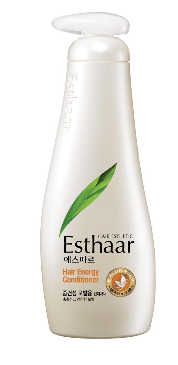Esthaar Кондиционер Энергия для волос, для нормальных и сухих волос, 500 мл978863Esthaar разработан по новейшей запатентованной технологии с применением молодых побегов целебных трав, известных своей высокой концентрацией лечебных веществ. Богатый 12 видами витаминов и минералов, шампунь укрепляет стержень волос, наполняет его жизненной силой и энергией, тем самым уменьшает ломкость и потерю.Кондиционер состоит на 99% из растительных очищающих компонентов, что делает его низкоаллергенным. Имеет сертификат LOHAS (Lifestyles Of Health And Sustainability), что подтверждает его безопасность для здоровья человека и окружающей среды. Научные исследования доказали, что уже через неделю использования ломкие волосы становятся крепче на 117%. Характеристики:Объем: 500 мл. Артикул: 978863. Производитель: Корея. Товар сертифицирован.