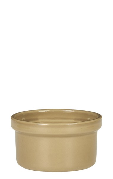 Рамекин Emile Henry Natural Chic, цвет: мускат, диаметр 9,5 см961028Рамекин Emile Henry Natural Chic выполнен из высококачественной огнеупорной керамики, покрытой с внешней стороны стеклянной глазурью. Рамекин предназначен как для готовки, так и для сервировки отдельных порций. Идеально подходит для кухни в загородном доме. Высокопрочная керамика великолепно распределяет и сохраняет тепло, что и требуется для приготовления помадок, гратенов, рассыпчатых и открытых пирогов. Форма не боится перепадов температур, и ее можно ставить в духовку сразу после того, как она была вынута из морозильной камеры. Покрытие формы устойчиво к появлению сколов и царапин, а его цвет остается ярким даже после многократного использования в посудомоечной машине.Можно использовать в морозильной камере, микроволновой печи и духовом шкафу. Форма подойдет и для сервировки стола.Диаметр: 9,5 см.Высота стенок: 5 см.