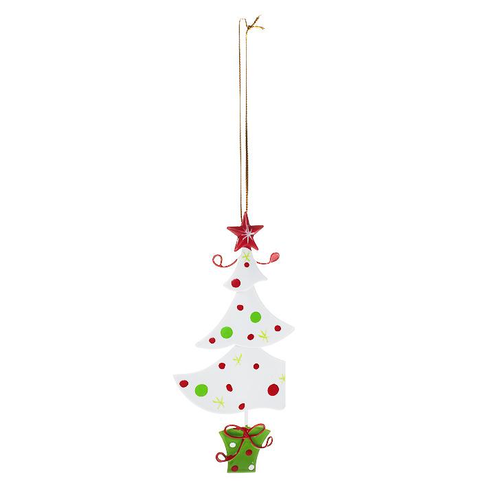 Новогоднее подвесное украшение Елочка, цвет: белый. 3086330863Оригинальное новогоднее украшение выполнено из металла в виде новогодней елочки белого цвета. С помощью специальной петельки украшение можно повесить в любом понравившемся вам месте. Но, конечно, удачнее всего такая игрушка будет смотреться на праздничной елке.Новогодние украшения приносят в дом волшебство и ощущение праздника. Создайте в своем доме атмосферу веселья и радости, украшая всей семьей новогоднюю елку нарядными игрушками, которые будут из года в год накапливать теплоту воспоминаний.Характеристики:Материал: металл, текстиль. Цвет: белый. Размер украшения: 6 см х 13 см. Артикул: 30863.