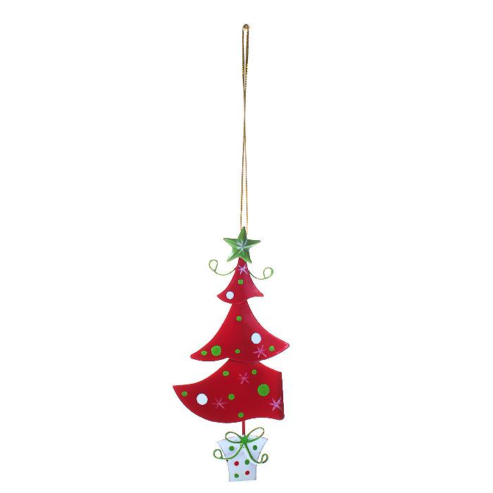 Новогоднее подвесное украшение Елочка, цвет: красный. 3086430864Оригинальное новогоднее украшение выполнено из металла в виде новогодней елочки красного цвета. С помощью специальной петельки украшение можно повесить в любом понравившемся вам месте. Но, конечно, удачнее всего такая игрушка будет смотреться на праздничной елке.Новогодние украшения приносят в дом волшебство и ощущение праздника. Создайте в своем доме атмосферу веселья и радости, украшая всей семьей новогоднюю елку нарядными игрушками, которые будут из года в год накапливать теплоту воспоминаний. Характеристики:Материал: металл, текстиль. Цвет: красный. Размер украшения: 6 см х 13 см. Артикул: 30864.