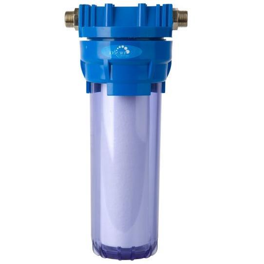 Магистральный фильтр Гейзер 1П, 1/2, для холодной воды32007Фильтр Гейзер 1П 1/2 прозрачный производит тонкую очистку холодной воды от взвешенных частиц (более 5 мкм). В фильтре Гейзер 1П 1/2 используется картридж РР 5 - 10SL. Удаляет ржавчину, песок, ил и другие нерастворимые примеси. Улучшает показатели мутности и цветности воды. Корпус фильтра выполнен из прочного прозрачного пластика. В производстве корпусов используются материалы пищевого класса. Вышедший из строя картридж механической очистки быстро и просто заменяется, зато остальные фильтроэлементы работают дольше и с максимальной эффективностью. Корпус фильтра выдерживает давление воды до 25 атмосфер, а при гидроударе – до 30 атмосфер, что подтверждено тестированием НИИ Точной механики. Это рекордный результат среди фильтров подобного класса.В комплект входят крепление (пластиковая скоба), четыре самореза, ключ пластиковый.