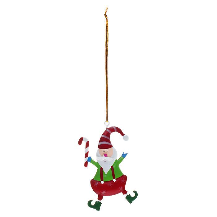 Новогоднее подвесное украшение Гномик. 3086730867Оригинальное новогоднее украшение выполнено из металла в виде веселого гномика. С помощью специальной петельки украшение можно повесить в любом понравившемся вам месте. Но, конечно, удачнее всего такая игрушка будет смотреться на праздничной елке.Елочная игрушка - символ Нового года. Она несет в себе волшебство и красоту праздника. Создайте в своем доме атмосферу веселья и радости, украшая новогоднюю елку нарядными игрушками, которые будут из года в год накапливать теплоту воспоминаний. Характеристики:Материал: металл, текстиль. Размер украшения: 5 см х 8 см. Артикул: 30867.