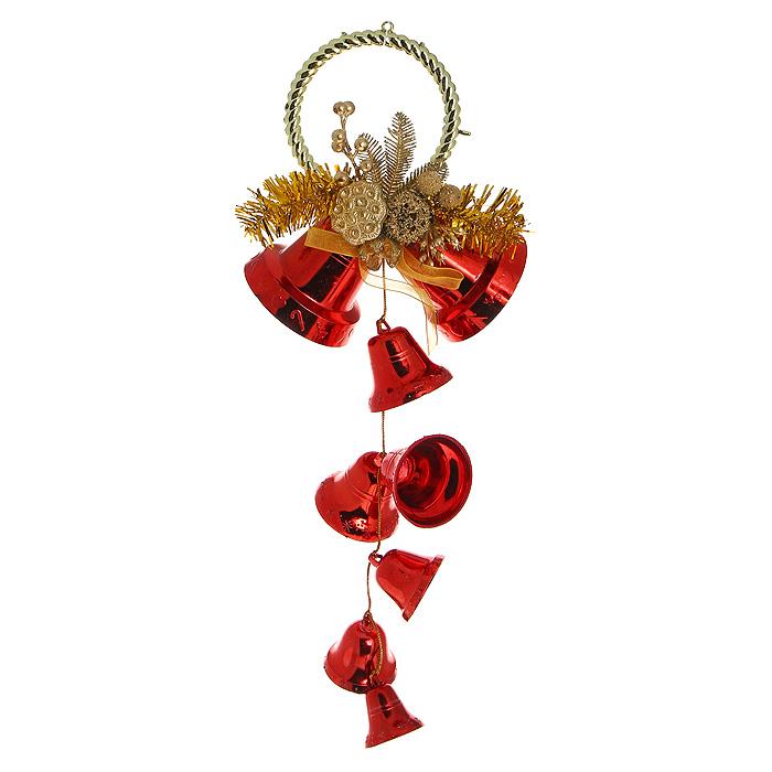 Новогоднее подвесное украшение Колокольчики, цвет: красный, золотистый. 3072030720Оригинальное новогоднее украшение Колокольчики прекрасно подойдет для декора дома и праздничной елки. Украшение выполнено из пластика в виде колокольчиков красного цвета. Верхушка изделия оформлена композицией в виде шишечек и листочков, покрытых золотой краской. С помощью специального обруча украшение можно повесить в любом понравившемся вам месте: на дверь, елку или стену.Елочная игрушка - символ Нового года. Она несет в себе волшебство и красоту праздника. Создайте в своем доме атмосферу веселья и радости, украшая новогоднюю елку нарядными игрушками, которые будут из года в год накапливать теплоту воспоминаний. Характеристики:Материал: пластик, текстиль. Цвет: красный, золотистый. Высота украшения: 38 см. Размер упаковки: 17 см х 20 см х 8 см. Артикул: 30720.