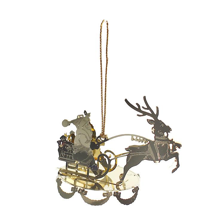 Новогоднее подвесное украшение Сани, цвет: золотистый. 2508725087Оригинальное новогоднее украшение «Сани» прекрасно подойдет для праздничного декора вашего дома и новогодней ели. Украшение выполнено из черного металла, окрашенного золотистой краской. С помощью текстильной петельки изделие можно повесить в любое понравившееся место. Но, конечно, удачнее всего оно будет смотреться на новогодней елке.Елочная игрушка - символ Нового года. Она несет в себе волшебство и красоту праздника. Создайте в своем доме атмосферу веселья и радости, украшая новогоднюю елку нарядными игрушками, которые будут из года в год накапливать теплоту воспоминаний. Характеристики:Материал: металл, текстиль. Цвет: золотистый. Размер украшения (ДхШхВ): 7,5 см х 5 см х 6,5 см. Размер упаковки: 6 см х 6 см х 8,5 см. Артикул: 25087.