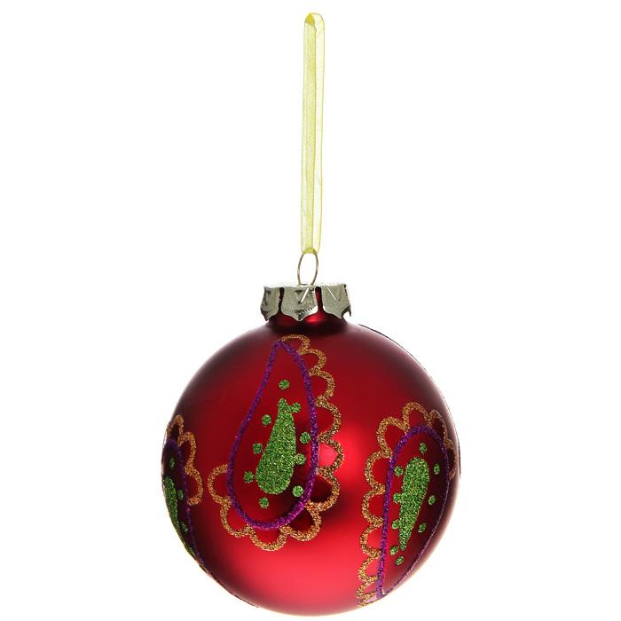 Новогоднее подвесное украшение Шар, цвет: красный. 3051930519Новогоднее подвесное украшение «Шар» выполнено из стекла с красным покрытием и декорировано узорами из блесток. С помощью специальной ленты украшение можно повесить в любом понравившемся вам месте. Но, конечно, удачнее всего такой шар будет смотреться на праздничной елке. Елочная игрушка - символ Нового года. Она несет в себе волшебство и красоту праздника. Создайте в своем доме атмосферу веселья и радости, украшая новогоднюю елку нарядными игрушками, которые будут из года в год накапливать теплоту воспоминаний. Коллекция декоративных украшений из серии Magic Time принесет в ваш дом ни с чем несравнимое ощущение волшебства! Характеристики:Материал: стекло, металл, текстиль. Цвет: красный. Диаметр игрушки: 8 см. Размер упаковки: 9,5 см х 9,5 см х 9 см. Артикул: 30519.