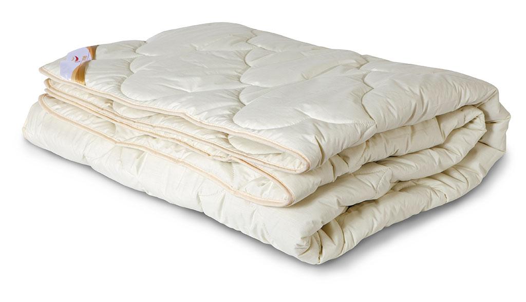 Одеяло всесезонное OL-Tex Меринос, наполнитель: шерсть австралийского мериноса, цвет: сливочный, 140 х 205 смОМТ-15-3Чехол всесезонного одеяла OL-Tex Меринос выполнен из мягкого приятного на ощупь материала тик/перкальсливочного цвета. Наполнитель - шерсть австралийского мериноса с полиэстером. Шерсть мериноса имеет множество достоинств. Мериносовая шерсть мягкая и эластичная, способна долгое время держать объем и форму, а благодаря естественному завитку отличается особой упругостью. Шерсть мериноса отличает высокая гигроскопичность, она способна впитывать до 33% влаги от своего объема, благодаря чему тело человека всегда остается в сухом тепле. В волокнах шерсти — миллионы воздушных подушечек, способствующих сохранению тепла и в холод, и в жару. Все эти качества шерсти мериноса служат залогом крепкого, здорового сна. Одеяло с шестью австралийского мериноса на любой сезон — уютное и теплое. Шерсть мериноса обладает целебными свойствами, благотворно воздействует на суставы. Одеяло OL-Tex Меринос - достойный выбор современной хозяйки!Рекомендации по уходу:- Стирка запрещена, - Нельзя отбеливать. При стирке не использовать средства, содержащие отбеливатели (хлор), - Не гладить. Не применять обработку паром, - Химчистка с использованием углеводорода, хлорного этилена, монофтортрихлорметана (чистка на основе перхлорэтилена), - Нельзя выжимать и сушить в стиральной машине. Характеристики: Материал чехла: тик /перкаль (100% хлопок). Наполнитель: шерсть мериноса, полиэстер. Цвет: сливочный. Плотность: 300 г/м2. Размер одеяла: 140 см х 205 см. Размеры упаковки: 55 см х 45 см х 15 см. Артикул: ОМТ-15-3.