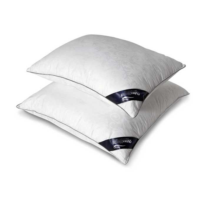 Подушка OL-Tex Nano Silver, цвет: белый, 50 х 68 смОЛСС-57-1Чехол подушки OL-Tex Nano Silver выполнен из мягкого приятного на ощупь материала сатин-жаккард (100% хлопок). Наполнитель - сверхтонкое высокосиликонизированное волокно OL-tex с ионами серебра.О чудотворном действии серебра люди знали давно. Благодаря использованию наполнителя с ионами серебра, изделия приобретают уникальные потребительские свойства. Серебро убивает бактерии, вызывающие неприятные запахи, микробов и клещей, обитающих в домашней пыли. Изделия с ионами серебра идеально подходят для людей, страдающих от аллергии. Серебро, благодаря высокой электрической проводимости, рассеивает электростатическое напряжение, накопившееся за день на коже из-за обилия синтетической одежды, работы за компьютером и др. А также в холодную погоду, благодаря способности серебра к терморегуляции, постель лучше сохраняет тепло. В жару одеяла и подушки с включением серебра ускоряют испарение влаги, создавая комфортную среду.Подушка OL-Tex Nano Silver - достойный выбор современной хозяйки!Рекомендации по уходу:- Стирка в теплой воде (температура до 30°С),- Нельзя отбеливать. При стирке не использовать средства, содержащие отбеливатели (хлор),- Сушить вертикально без отжима, - Не гладить. Не применять обработку паром,- Нельзя выжимать и сушить в стиральной машине. Характеристики: Материал чехла: сатин-жаккард (100% хлопок). Наполнитель: микроволокно OL-tex с ионами серебра Nano Silver. Цвет: белый. Вес наполнителя: 800 г. Размер подушки: 50 см х 68 см. Размеры упаковки: 65 см х 50 см х 10 см. Артикул: ОЛСС-57-1.