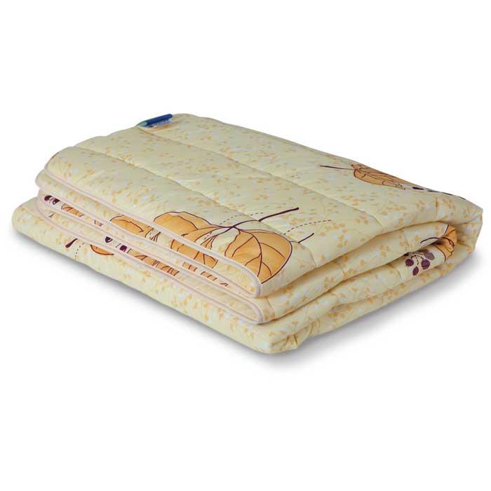 Одеяло всесезонное Miotex Холфитекс, 140 см х 205 см. МХПЭ-15-3 в ассортиментеМХПЭ-15-3Всесезонное одеяло OL-Tex Miotex создаст комфорт и уют во время сна. Стеганый чехол выполнен из полиэстера и оформлен красочным рисунком. Внутри - современный наполнитель из полиэфирного высокосиликонизированного волокна Holfiteks, упругий и качественный.Холфитекс - современный экологически чистый синтетический материал, изготовленный по новейшим технологиям. Его уникальность заключается в расположении волокон, которые позволяют моментально восстанавливать форму и сохранять ее долгое время. Изделия с использованием Холфитекса очень удобны в эксплуатации - их можно часто стирать без потери потребительских свойств, они быстро высыхают, не впитывают запахов и совершенно гиппоаллергенны. Холфитекс также обеспечивает хорошую терморегуляцию, поэтому изделия с наполнителем из холфитекса очень комфортны в использовании.Одеяло с современным упругим наполнителем Холфитекс порадует вас в любое время года. Оно комфортно согревает и создает отличный микроклимат. За одеялом легко ухаживать, можно стирать в стиральной машинке. Рекомендации по уходу: - Ручная и машинная стирка при температуре 30°С. - Не гладить. - Не отбеливать.- Нельзя отжимать и сушить в стиральной машине. - Сушить вертикально.Размер одеяла: 140 см х 205 см.Материал чехла: 100% полиэстер.Материал наполнителя: полиэфирное высокосиликонизированное волокно Holfiteks.Плотность наполнителя: 300 г/м2.