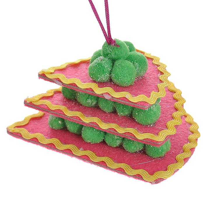 Новогоднее подвесное украшение Торт, цвет: розовый. 2536325363Оригинальное подвесное украшение «Торт» прекрасно подойдет для праздничного декора дома и новогодней ели. Украшение выполнено из полиэстера в виде треугольного торта и оформлено блестками. С помощью атласной ленточки его можно повесить в любом понравившемся вам месте. Но, конечно, удачнее всего такая игрушка будет смотреться на праздничной елке.Елочная игрушка - символ Нового года. Она несет в себе волшебство и красоту праздника. Создайте в своем доме атмосферу веселья и радости, украшая новогоднюю елку нарядными игрушками, которые будут из года в год накапливать теплоту воспоминаний. Коллекция декоративных украшений из серии Magic Time принесет в ваш дом ни с чем несравнимое ощущение волшебства! Характеристики:Материал: полиэстер. Цвет: розовый. Размер украшения: 8 см х 8,5 см х 5 см. Артикул: 25363.