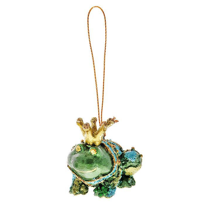 Новогоднее подвесное украшение Лягушка, цвет: зеленый, голубой. 2543125431Оригинальное новогоднее украшение выполнено из пластика в виде лягушки, украшенной блестками. С помощью специальной петельки украшение можно повесить в любом понравившемся вам месте. Но, конечно же, удачнее всего такая игрушка будет смотреться на праздничной елке.Новогодние украшения приносят в дом волшебство и ощущение праздника. Создайте в своем доме атмосферу веселья и радости, украшая всей семьей новогоднюю елку нарядными игрушками, которые будут из года в год накапливать теплоту воспоминаний. Коллекция декоративных украшений из серии Magic Timeпринесет в ваш дом ни с чем несравнимое ощущение волшебства! Характеристики:Материал: пластик, текстиль. Цвет: зеленый, голубой. Размер украшения: 5,5 см х 4 см х 4 см. Артикул: 25431.