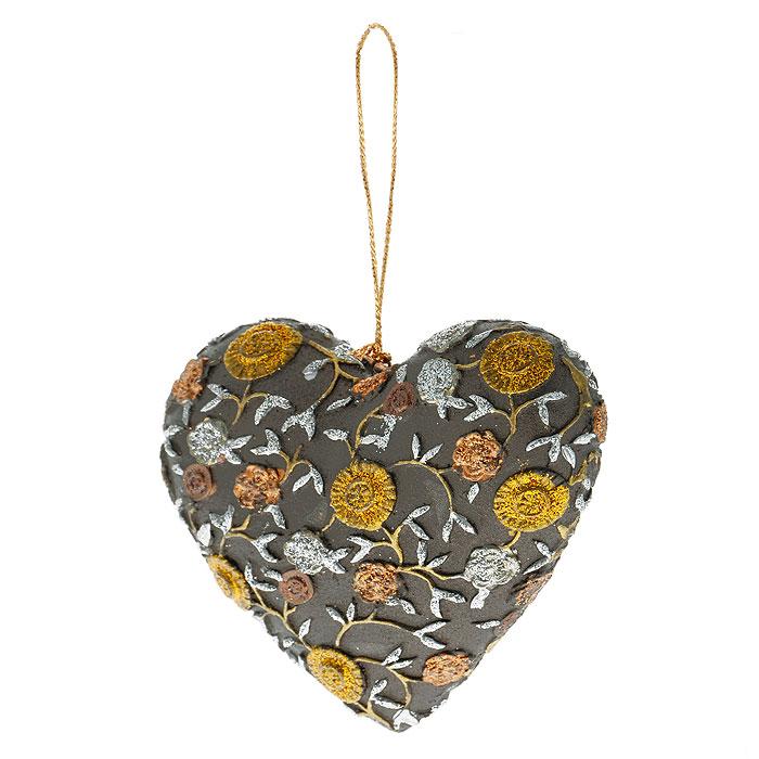 Новогоднее подвесное украшение Сердце, цвет: коричневый, золотистый. 2542925429Оригинальное новогоднее украшение выполнено из пластика в виде сердечка, украшенного рельефными цветами и блестками. С помощью специальной петельки украшение можно повесить в любом понравившемся вам месте. Но, конечно же, удачнее всего такая игрушка будет смотреться на праздничной елке.Новогодние украшения приносят в дом волшебство и ощущение праздника. Создайте в своем доме атмосферу веселья и радости, украшая всей семьей новогоднюю елку нарядными игрушками, которые будут из года в год накапливать теплоту воспоминаний. Коллекция декоративных украшений из серии Magic Timeпринесет в ваш дом ни с чем несравнимое ощущение волшебства! Характеристики:Материал: пластик, текстиль. Цвет: коричневый, золотистый. Размер украшения: 8,5 см х 8 см х 2,5 см. Артикул: 25429.