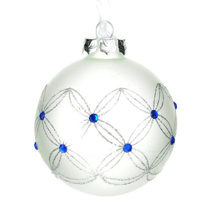 Новогоднее подвесное украшение Шар, цвет: белый. 3051030510Подвесное украшение «Шар» прекрасно подойдет для праздничного декора новогодней ели. Украшение, выполненное из белого матового стекла, оформлено блестками серебристого цвета и голубыми стразами. Шар оснащен текстильной ленточкой белого цвета.Елочная игрушка - символ Нового года. Она несет в себе волшебство и красоту праздника. Создайте в своем доме атмосферу веселья и радости, украшая новогоднюю елку нарядными игрушками, которые будут из года в год накапливать теплоту воспоминаний. Коллекция декоративных украшений из серии Magic Time принесет в ваш дом ни с чем не сравнимое ощущение волшебства! Характеристики:Материал: стекло, текстиль, блестки, стразы. Цвет: белый. Диаметр украшения: 8 см. Размер упаковки: 9,5 см х 9,5 см х 9 см. Артикул: 30510.