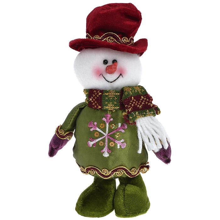 Новогоднее украшение Снеговик. 2653726537Новогоднее украшение Снеговик отлично подойдет для декорации вашего дома. Украшение выполнено в виде текстильной фигурки снеговика в красном цилиндре.Вы можете поставить фигурку в любом месте, где она будет удачно смотреться, и радовать глаз. Кроме того, это украшение - отличный вариант подарка для ваших близких и друзей. Новогодние украшения всегда несут в себе волшебство и красоту праздника. Создайте в своем доме атмосферу тепла, веселья и радости, украшая его всей семьей. Характеристики:Материал: полиэстер. Размер украшения: 21 см х 14 см х 5,5 см. Размер упаковки: 21 см х 14 см х 5,5 см. Артикул: 26537.