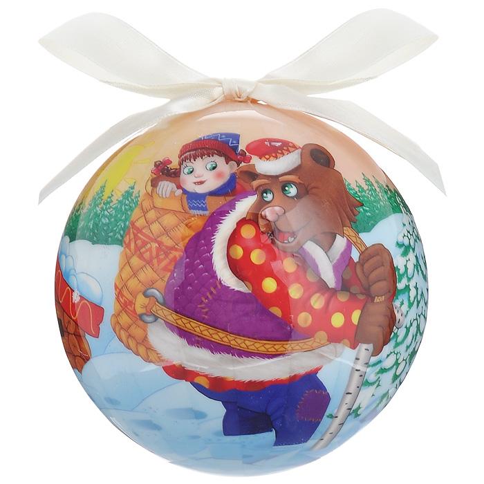Елочное украшение Шар. Маша и Медведь, диаметр 10 см. 2033020330Оригинальное подвесное украшение Шар. Маша и Медведь прекрасно подойдет для праздничного декора новогодней ели. Украшение, выполненное из пластмассы, оформлено ярким изображением по мотивам сказки Маша и Медведь. Благодаря плотному корпусу изделие никогда не разобьется, поэтому вы можете быть уверены, что оно прослужит вам долгие годы. С помощью атласной ленточки бежевого цвета украшение можно повесить на праздничную елку. Елочная игрушка - символ Нового года. Она несет в себе волшебство и красоту праздника. Создайте в своем доме атмосферу веселья и радости, украшая новогоднюю елку нарядными игрушками, которые будут из года в год накапливать теплоту воспоминаний. Характеристики:Материал: пластмасса (вспененный полистирол), текстиль. Диаметр шара: 10 см. Размер упаковки: 11 см х 11 см х 15 см. Производитель: Россия. Изготовитель: Китай. Артикул: 20330.